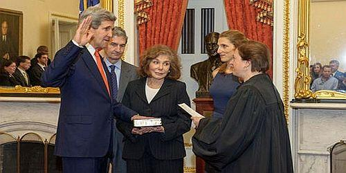 Sec Kerry sworn-in